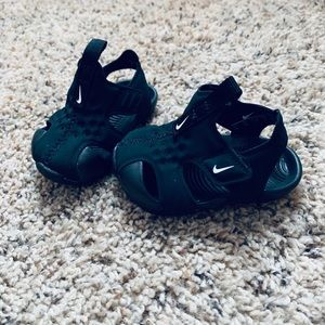 3-6M Nike strap on Sandals